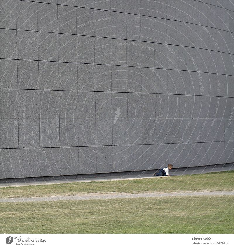 Child in front of the Van Gogh Museum Concrete Loneliness Wall (building) Meadow Baby Toddler Traffic infrastructure