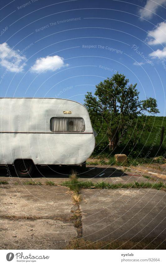 <- roller skate (90000) Needy Caravan Window Circus Vacation & Travel Tin Curtain Wall (building) Red Gloomy Badlands Grass In transit Joyride Shabby