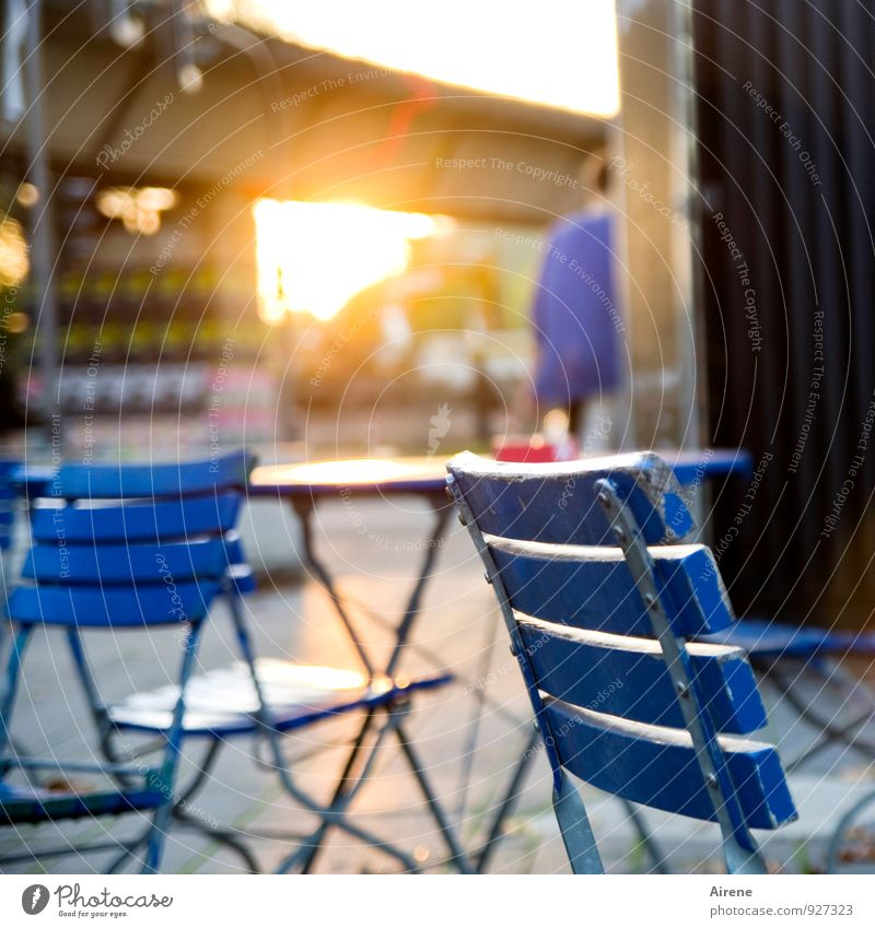 Human being City Blue Eating Brown Gold Chair Furniture Restaurant Downtown Night life Populated Café Beer garden Going out Sidewalk café