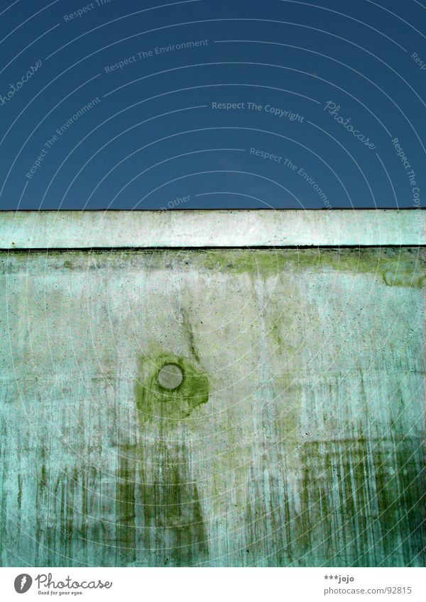 Green Wall (building) Wall (barrier) Concrete Gloomy Transience Barrier Massive Yellowed Golden section Ravages of time