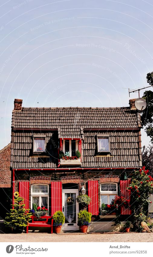 Hutzel house House (Residential Structure) Red Village Small Romance Summer Germany Sky Americas
