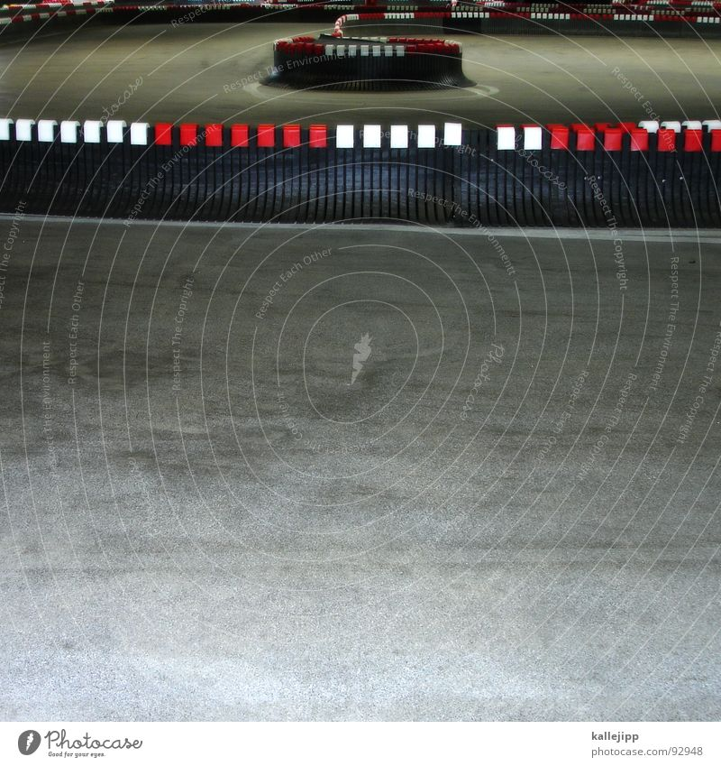Leisure and hobbies Floor covering Racing sports Curve Racecourse Warning colour Tilt Go-kart Warning stripes