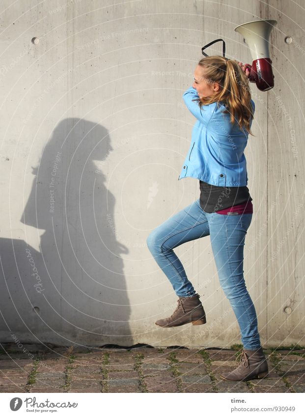 . Feminine 1 Human being Wall (barrier) Wall (building) Jeans Jacket Blonde Long-haired Braids Fight Honor Bravery Self-confident Power Willpower Lanes & trails
