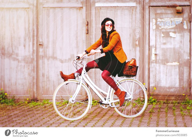 Human being Woman Youth (Young adults) Young woman 18 - 30 years Adults Movement Feminine Garden Lifestyle Leisure and hobbies Contentment Bicycle Smiling