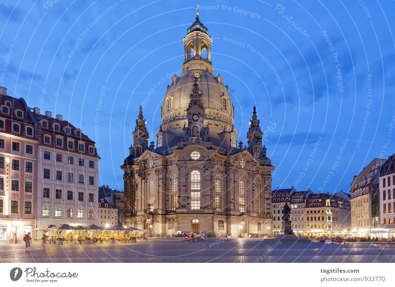 LIGHTS OFF, LIGHTS ON, THEN REPEAT Night Dark Twilight Dresden Frauenkirche Saxony Marketplace Religion and faith Church Dome Vacation & Travel