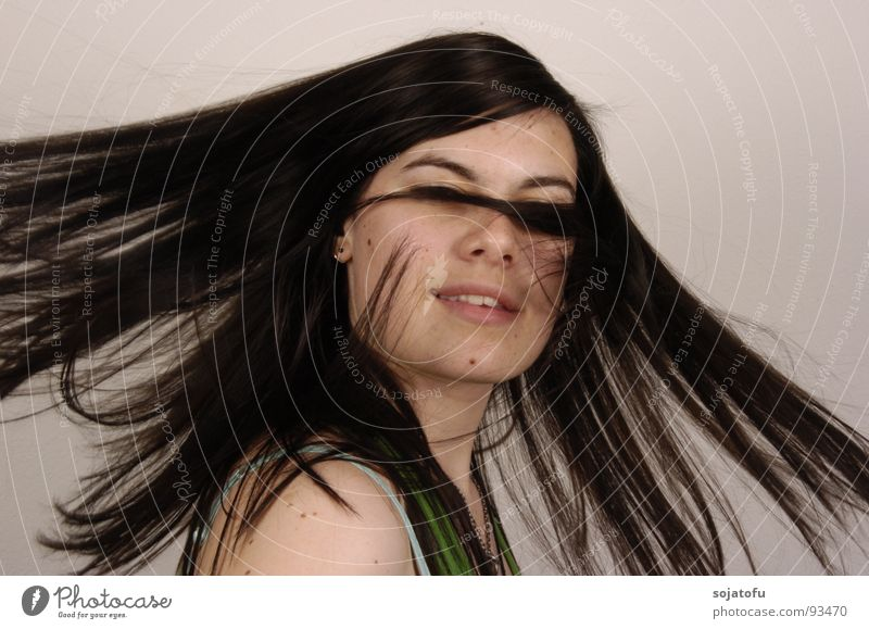 Woman Hair and hairstyles Flying Rotate Swing Rotation Black-haired Mole