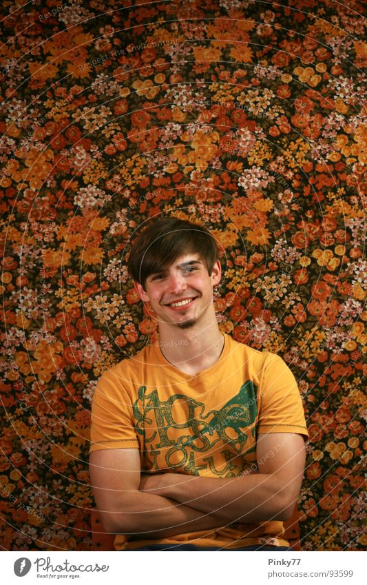 Flowers S2 Man Attractive Background picture Self-confident Facial hair Irony Generation Pattern Nostalgia Brown Red White Yellow Joy Beautiful Orange Sit