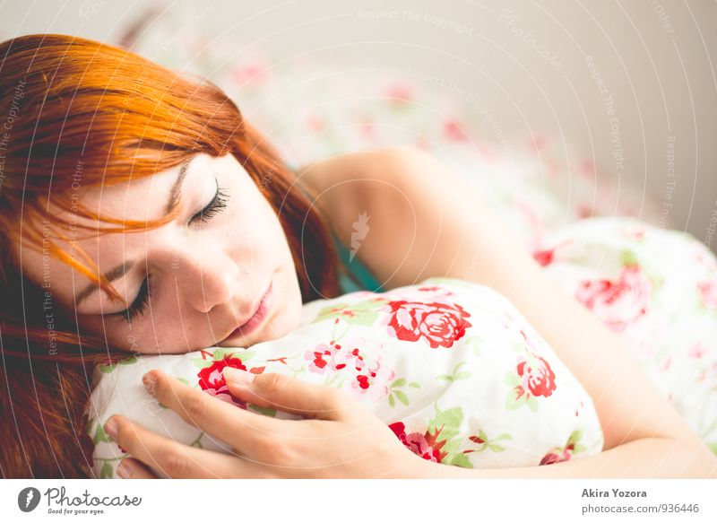 In Dreams Relaxation Bed Feminine Young woman Youth (Young adults) Face 1 Human being 18 - 30 years Adults Red-haired Touch To hold on Lie Sleep Gray Green