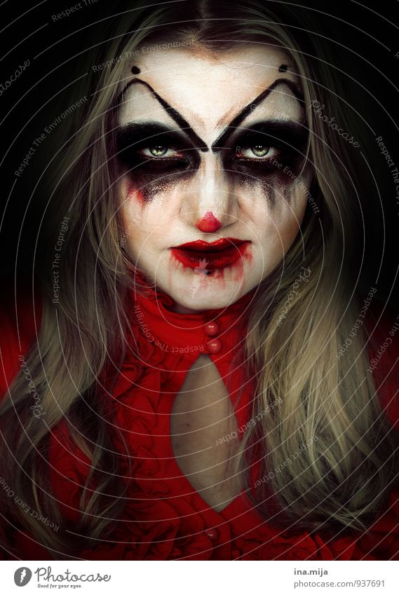 creepy young woman made up as a clown Feasts & Celebrations Hallowe'en Human being Feminine Face 1 Emotions Moody Egotistical Disgust Contempt Frustration