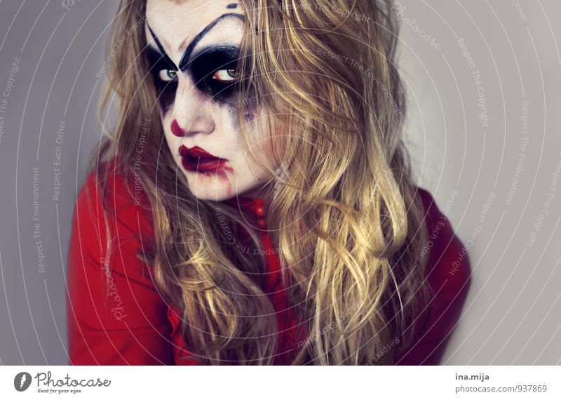 Halloween Monsters Feasts & Celebrations Carnival Hallowe'en Young woman Youth (Young adults) Woman Adults Face 1 Human being 13 - 18 years Child 18 - 30 years