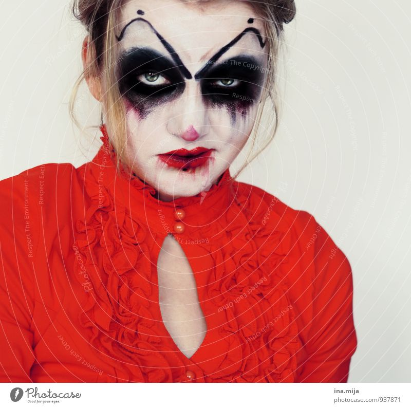 Woman made up as horror clown Feasts & Celebrations Carnival Hallowe'en Threat Dark Moody Animosity Force Hatred Whimsical Monster Creepy Aggression Horror film