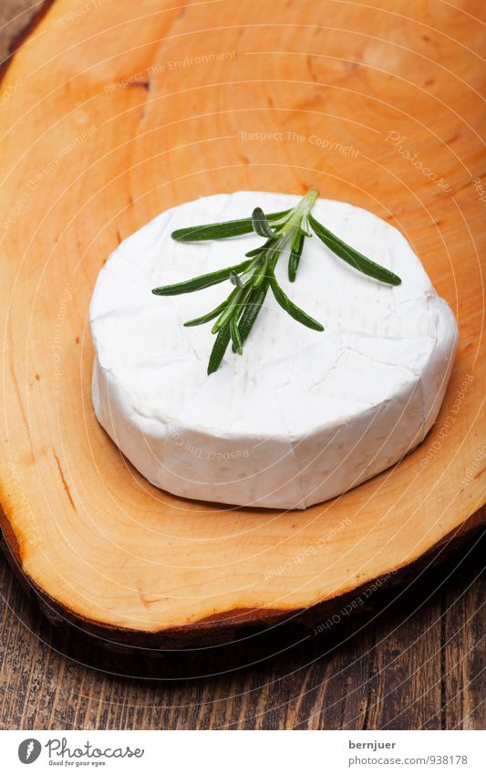 camembert Food Herbs and spices Organic produce Vegetarian diet Eating Cheap Pure Cheese white cheese Wooden table Chopping board Rosemary White Raw Round
