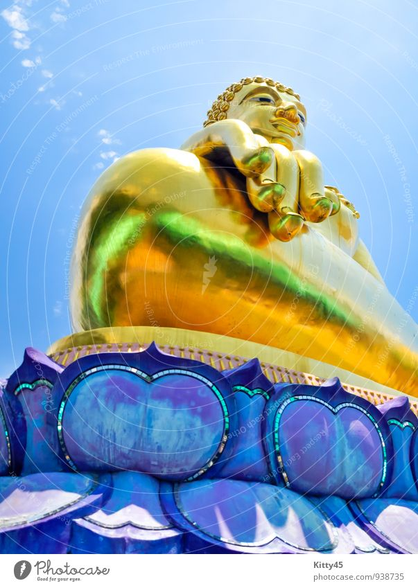 Golden Buddha statue Vacation & Travel Beautiful Hand Face Architecture Religion and faith Bright Art Body Decoration Gold Illuminate Tourism Smiling Friendliness Culture