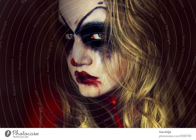 female horror clown Feasts & Celebrations Carnival Hallowe'en Human being Feminine 1 Blonde Long-haired Dark Emotions Moody Virtuous Vice Fear of death