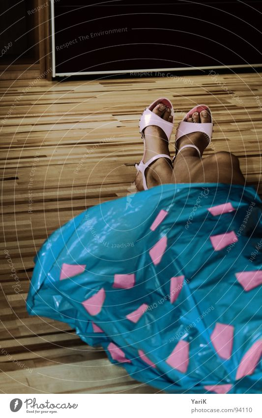Beautiful Blue Dark Footwear Pink Clothing Floor covering Dress Lie Stripe Point Square Statue Checkered Partially visible Rectangle