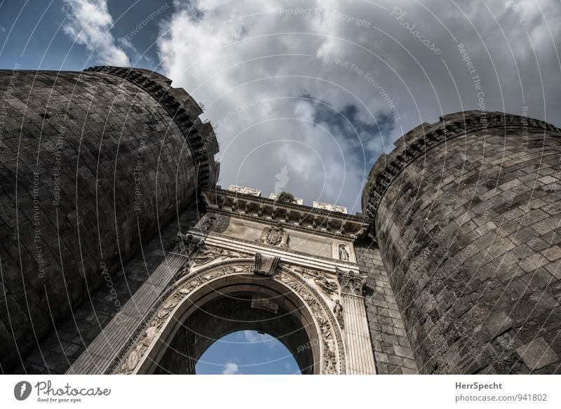 Porta Capuana Sky Clouds Beautiful weather Naples Italy Town Old town Tower Gate Manmade structures Wall (barrier) Wall (building) Esthetic Exceptional Large