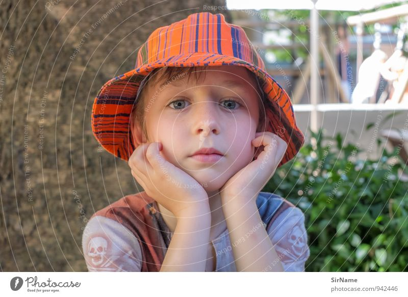 287 [quiet day II] Lifestyle Vacation & Travel Garden Child Boy (child) Infancy 1 Human being 3 - 8 years Summer Hat Cap Observe Looking Authentic Friendliness
