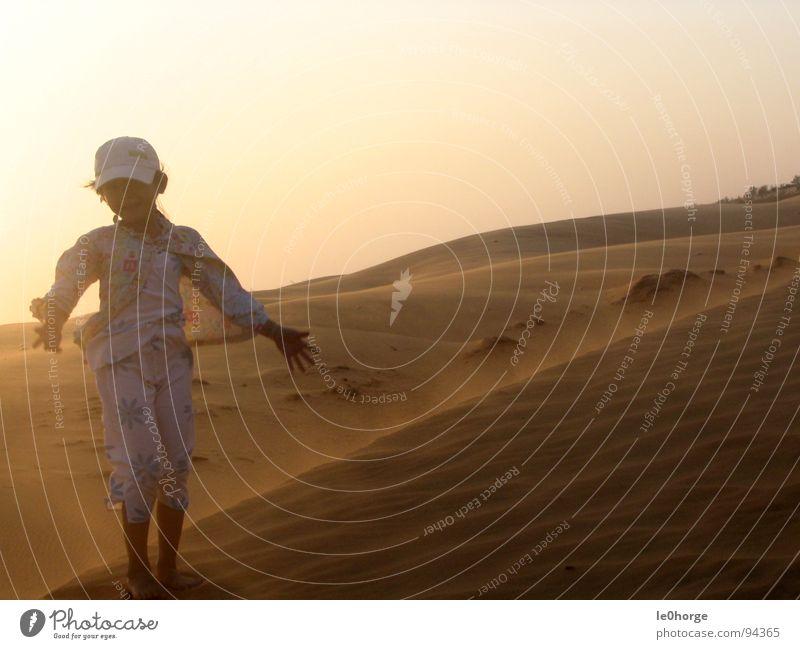 Dune Girl Asia Vietnam Gale Sunset Sunrise Physics Hot Peoples Loneliness Joy Desert Beach dune Sand Wind Human being Warmth Child