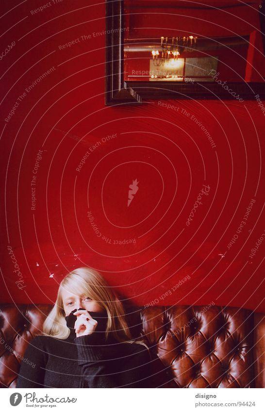 Red Relaxation Blonde Communicate Mirror Sofa Café To enjoy Brunch Friedrichshain