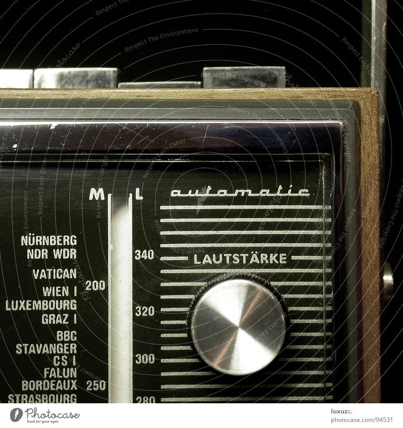 Calm Music Brown Concert Station Rotate Radio (broadcasting) Nostalgia Information Technology Tone Buttons Loud Welcome Song Entertainment Live