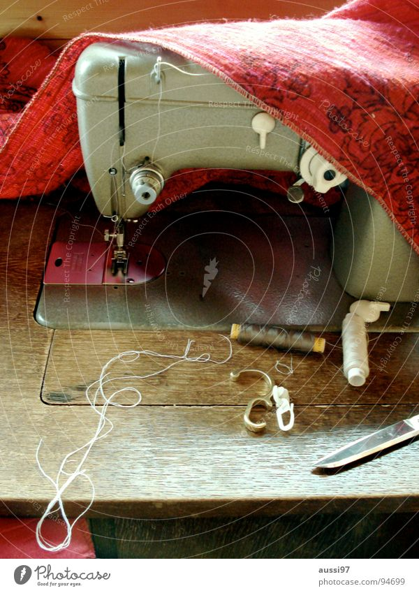 thread tamer Sewing machine Tailor Tailoring Sewing thread Craft (trade) Pants Sweater Industry Scissors Designer mend patch up