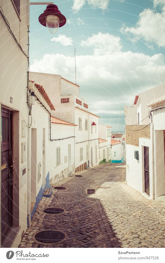 Beco de tampas de bueiros Vacation & Travel Tourism Trip Environment Sky Clouds Summer Town House (Residential Structure) Manmade structures Building