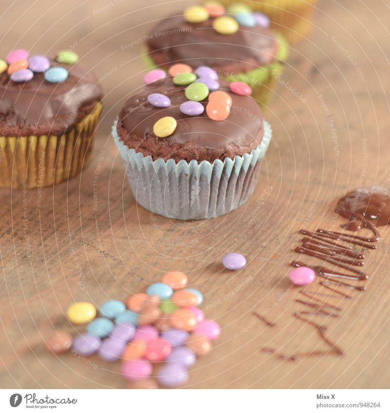 Small Feasts & Celebrations Food Birthday Nutrition Sweet Cooking & Baking Delicious Candy Cake Baked goods Chocolate Dough Dessert Muffin Birthday cake