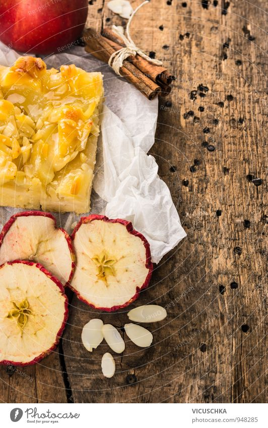 Apple pie with cinnamon and almonds Food Fruit Dough Baked goods Cake Dessert Herbs and spices Nutrition Organic produce Vegetarian diet Diet Design