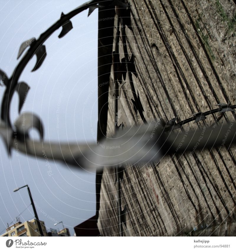Berlin Freedom Wall (barrier) Lamp Stripe End Longing Lantern Street lighting Past Border Division War Americas GDR Wire