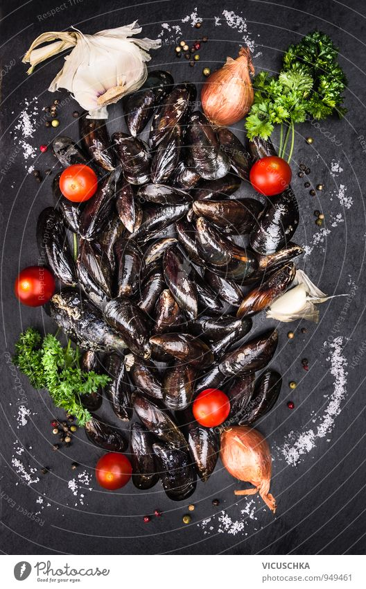 Raw mussels with tomatoes and spices on slate Food Seafood Vegetable Herbs and spices Nutrition Lunch Dinner Banquet Life Human being Nature Sand Design Gourmet
