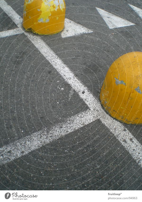 Yellow Street Signs and labeling Concrete Arrow Traffic infrastructure Parking lot