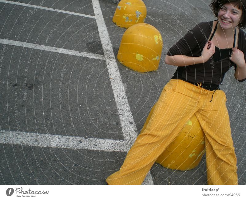 jello girl vs. urban art Yellow Parking lot Line Concrete Traffic infrastructure Signs and labeling stiffeners Street