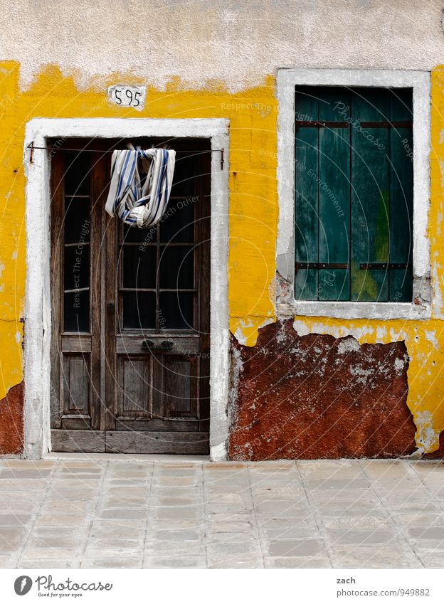 the charm of the marode Colour photo Multicoloured Exterior shot Deserted Copy Space bottom Day City trip Venice Burano Italy Village Fishing village Town