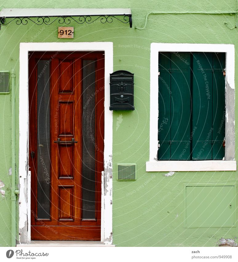 Green House (Residential Structure) Window Wall (building) Wall (barrier) Wood Lamp Facade Living or residing Door Italy Old town Venice Shutter Pot plant