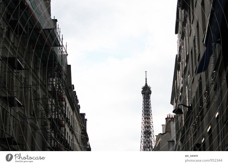 In the streets of Paris Tourism Sightseeing City trip Architecture Town Capital city Downtown Old town House (Residential Structure) Manmade structures Tower