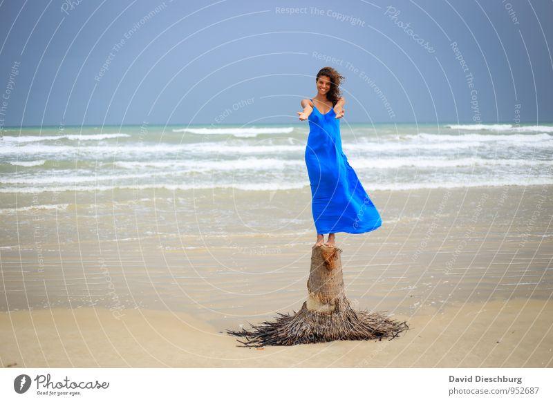 Human being Sky Vacation & Travel Blue Beautiful White Summer Ocean Landscape Beach Black Yellow Coast Feminine Brown Horizon