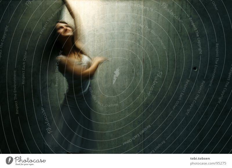 Woman White Joy Movement Music Happy Brown Dance Arm Concrete Dress Rotate Human being Motion blur Valencia