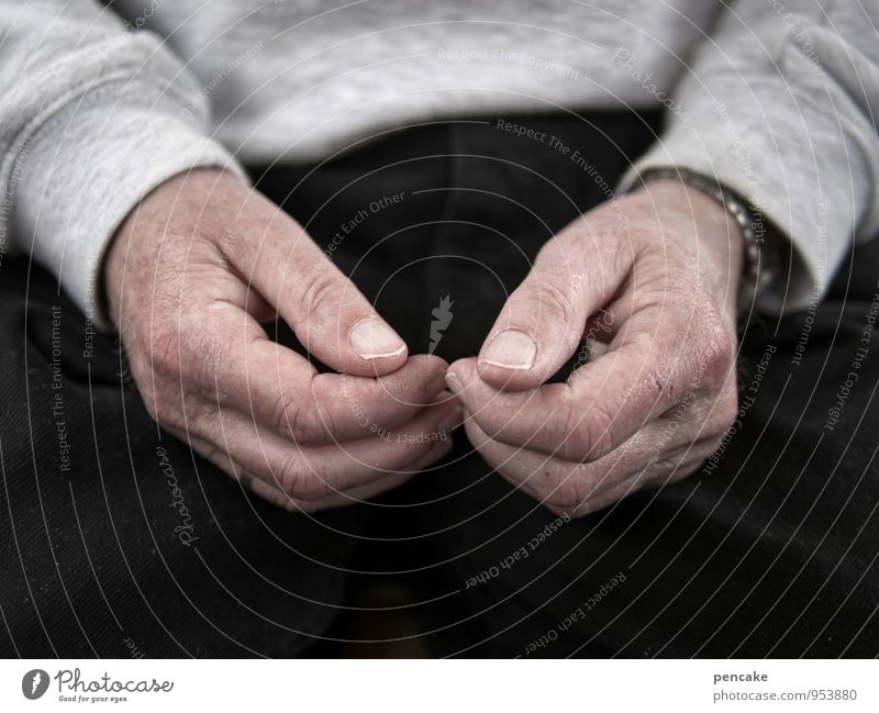 retrograde Masculine Senior citizen Hand 60 years and older Old Authentic Small Illness Retro Inhibition Fear Idle Motionless Gesture Psychological disorder