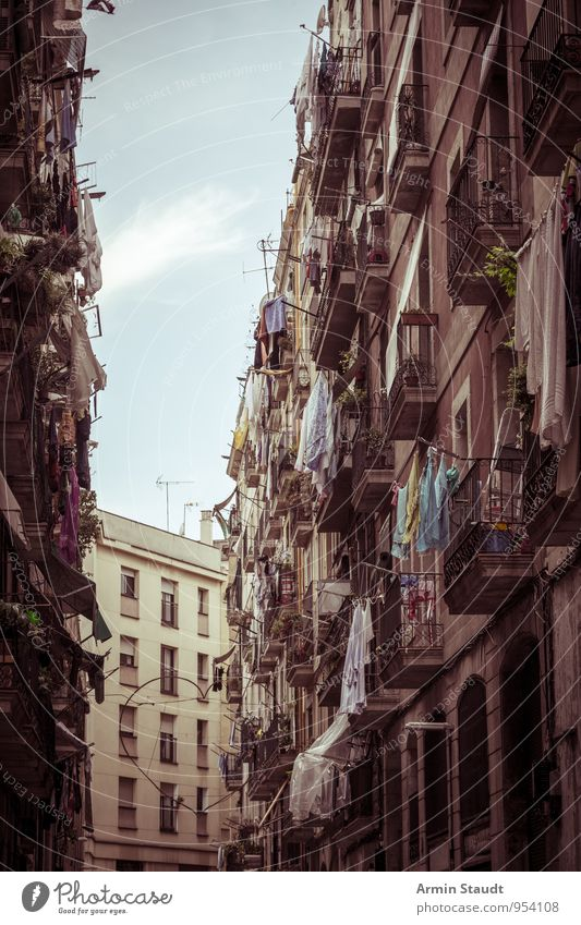 Gorge of houses - Barcelona Vacation & Travel Living or residing Sky Beautiful weather Old town House (Residential Structure) Building Balcony