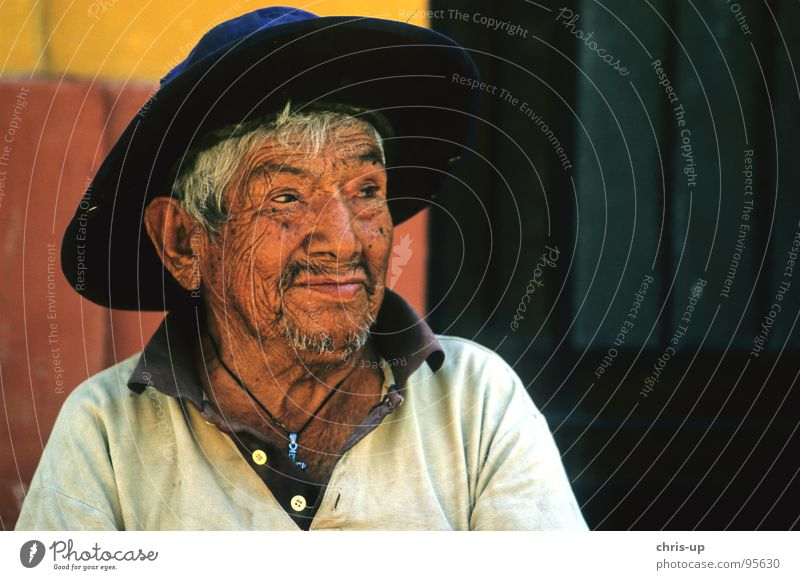 Human being Man Old Face Vacation & Travel Senior citizen Skin Authentic Hat Americas Friendliness Nationalities and ethnicity Facial expression Smiling
