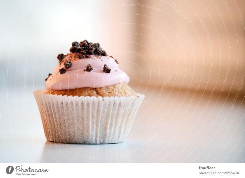 Cupcake, muffin, cake, pink Food Cake Nutrition Eating To have a coffee Birthday Pink Appetite Colour photo Interior shot Day Deep depth of field