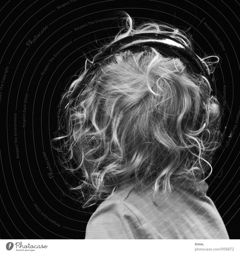 soundproofing Boy (child) Hair and hairstyles 1 Human being Listen to music Headphones Shirt Blonde Short-haired Curl To enjoy Listening Wild Willpower Passion