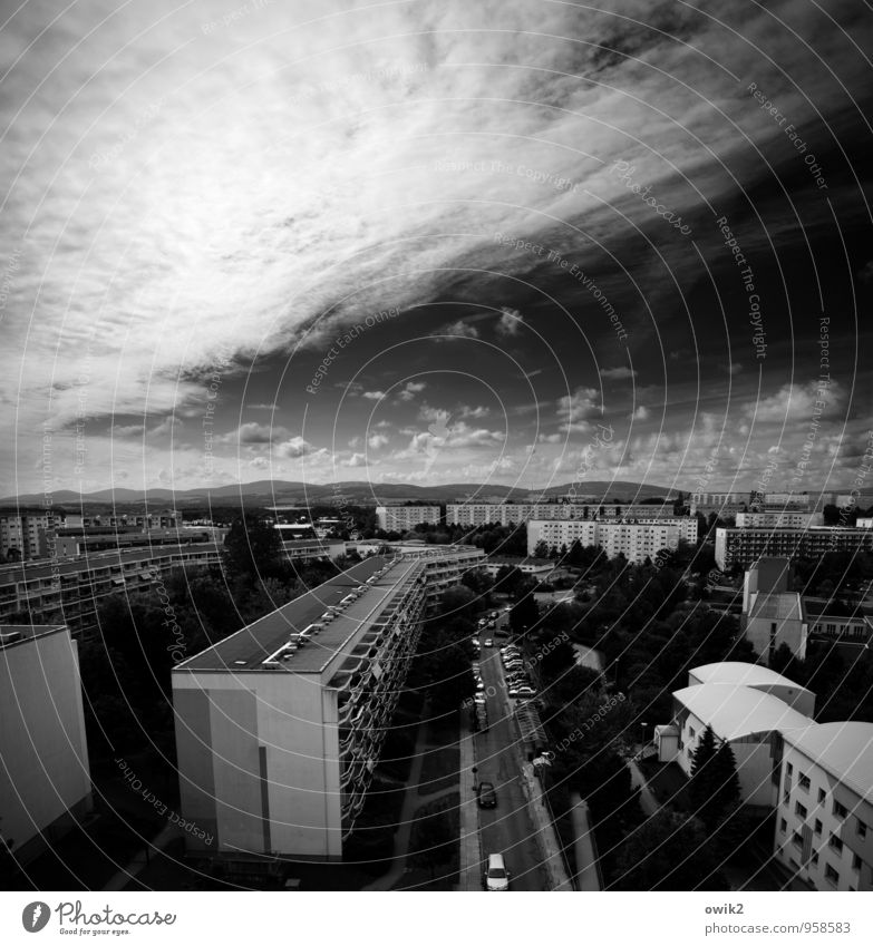 Sky City Tree Clouds House (Residential Structure) Far-off places Window Street Wall (building) Wall (barrier) Bright Horizon Weather Car Illuminate Large