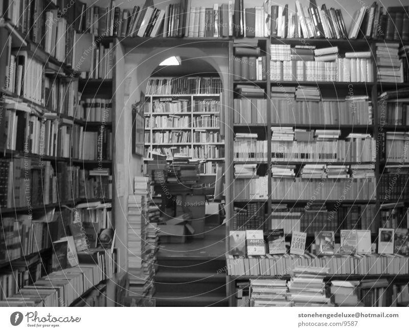 RomanBookstore Second-hand bookshop Bookshop Rome Dust Historic