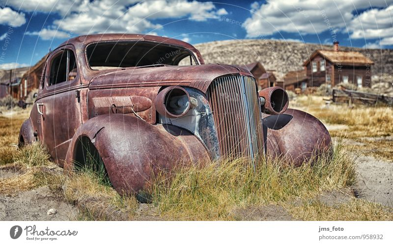 no more TÜV Sightseeing Museum Means of transport Motoring Vehicle Car Old Blue Brown Mobility Past Transience Time History of the USA Derelict Rust