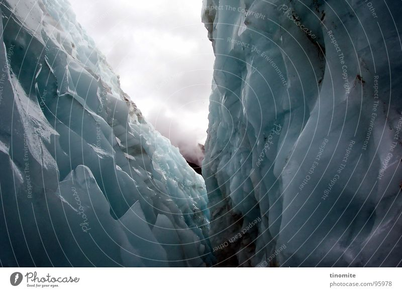 eternal ice Glacier Dark Creepy Cervasse New Zealand White Clouds Canyon Narrow Edge Glacier National park Deep Australia Mountaineering Ice Blue Point Prongs