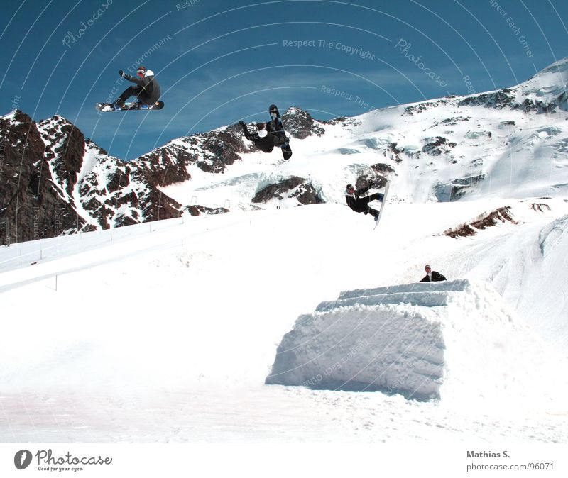 Joy Mountain Snow Style Sports Flying Friendship Jump Leisure and hobbies Air In pairs Tall Alps Departure Brave Row