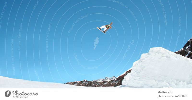 Springclassics II Salto Jump Snowboard Austria Back somersault Clouds Austrian Style Exterior shot Winter sports Leisure and hobbies Freestyle Driver Extreme