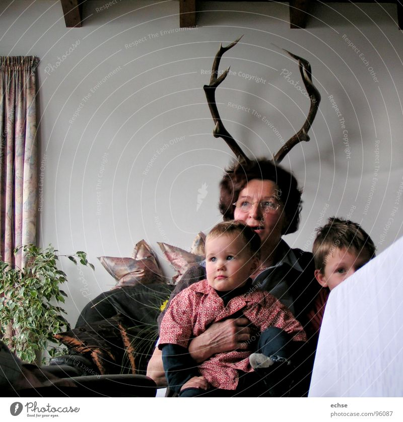 Grandma Deer Grandmother Antlers Child Family party Opportunity Woman Petit bourgeois Dream Mammal comic