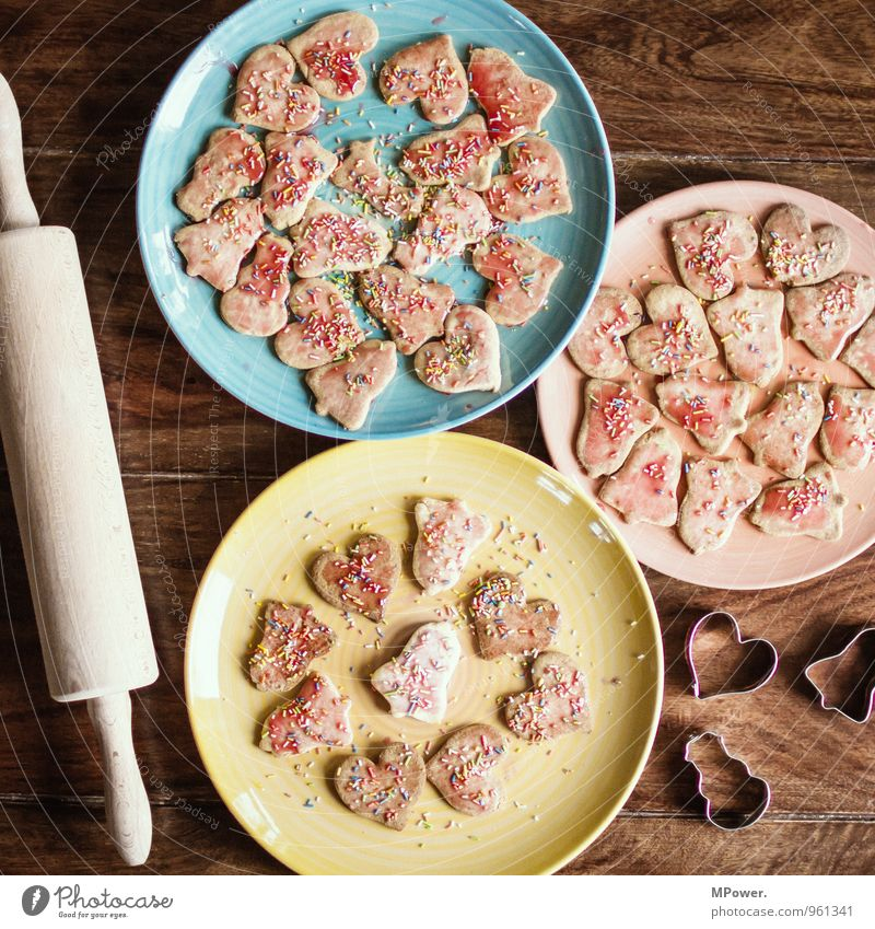 Christmas biscuits Food Candy Nutrition Eating Organic produce To feed Sweet Cookie Christmas & Advent Plate Multicoloured Heart-shaped Granules Rolling pin
